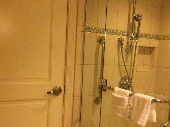 Grand Waikikian by Hilton Grand Vacations: 2nd bathroom