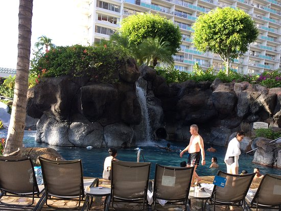 Grand Waikikian by Hilton Grand Vacations: Paradise Pool area, we at 42 and 44 enjoyed this fully!!!!
