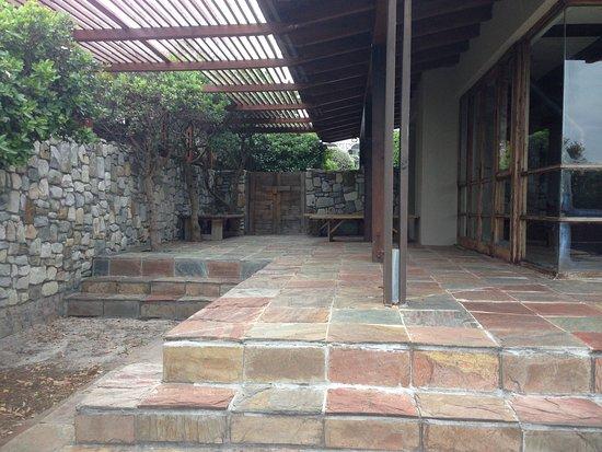 Kommetjie, South Africa: Beautifully Enclosed Yard