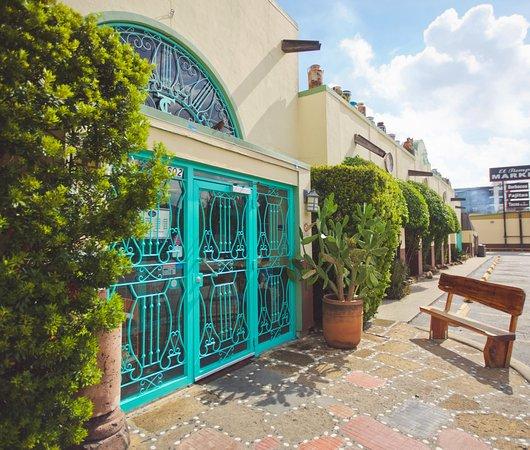 Photo of Mexican Restaurant El Tiempo Cantina Washington at 5602 Washington Ave, Houston, TX 77007, United States
