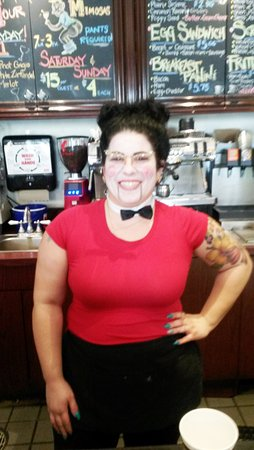 Wilton Manors, ฟลอริด้า: Our server at Halloween!