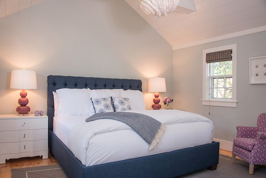 Regatta Inn: Room 4 at our boutique hotel on Nantucket
