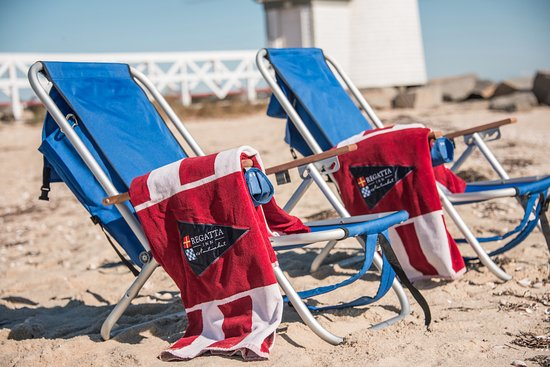 Regatta Inn: Use our complimentary beach chairs and relax on the pristine Nantucket beachees