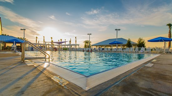 Holiday Inn Club Vacations Orlando Breeze Resort: Outdoor swimming pool