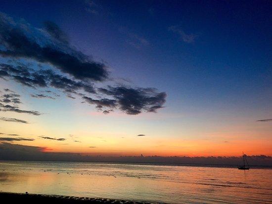 Lovina Beach Hotel: photo1.jpg