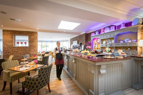 Springhill Court Conference, Leisure & Spa Hotel: Kupp Coffee Dock, serves freshly ground roast coffee, delicious cakes and light lunches.