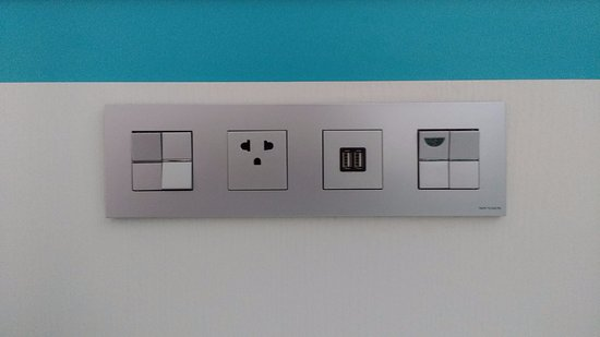 120 volt electric outlet and 2 USB outlets by the bed - Picture of ...