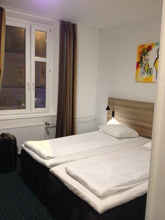 Copenhagen Star Hotel: Room with street view
