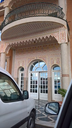 Bechar, Algeria: entrée de l'hôtel