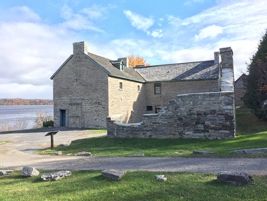 Ottawa, Kanada: House and the remnants of the separate stone kitchen