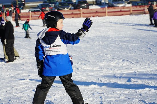 Lisle, IL: Skiing and snowboarding for all ages!