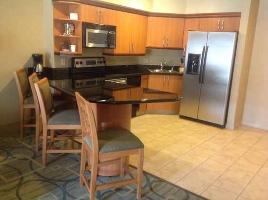 fully equipped kitchen modern appliances sit and eat bar picture rh tripadvisor com