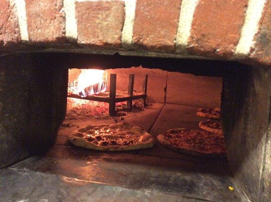 Cassine, อิตาลี: Pizze cotte nel forno a legna
