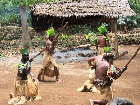 Atmosphere Tours: Villagers dancing
