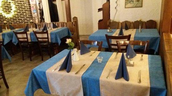Tisch Decken Pic : Neue tischdecken mykonosrestaurant offenbach am main bild