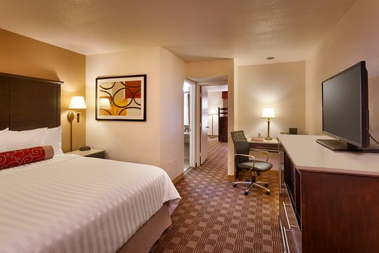 Cortona Inn & Suites Anaheim Resort Photo
