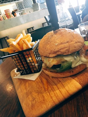 Melton, Australia: Beef burger is pretty good