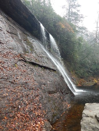 Cashiers, NC: The falls were a little small due to the drought