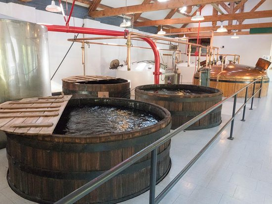 Mabou, แคนาดา: Glenora Distillery