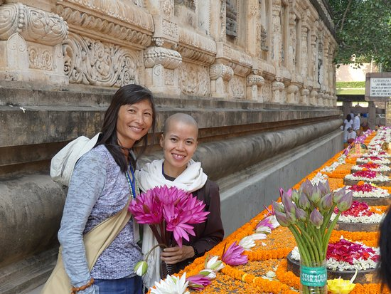 Eleven Directions Day Tours : Mahabodhi