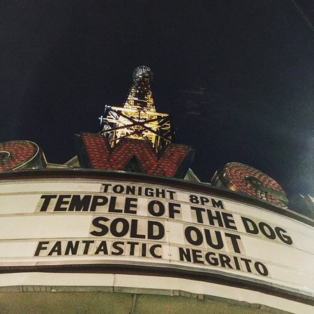 Upper Darby, PA: Front of Tower Theater