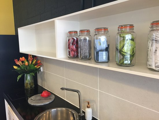 Pensione Hotel Sydney - by 8Hotels: Guest Lounge Kitchenette