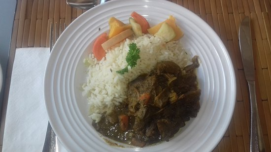 Island Inn Hotel: lunch...rice veges and curried lamb