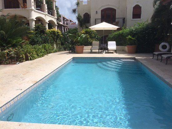 Cap Estate, Saint Lucia: Courtyard pool