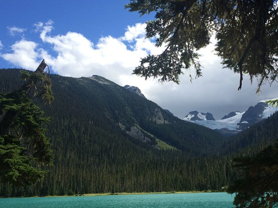 Pemberton, Kanada: Emerald greea Joffre Lakes (thrtr are three lakes)