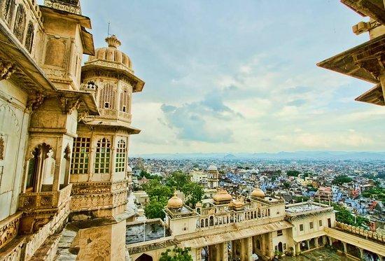 Udaipur Voyage Day Tour