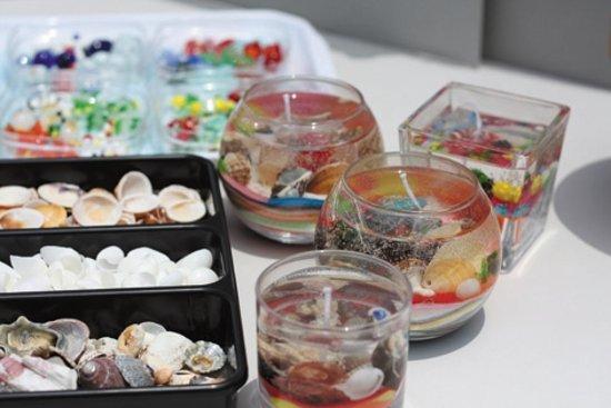 Poppy no Sato Tateyama Family Park : 「ゼリーキャンドル」地元「平砂浦ビーチ」の貝殻やガラスのオーナメントなどを組み合わせて独自のキャンドルが作れます。