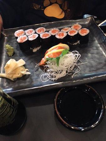 Bethesda, MD: Salmon rolls