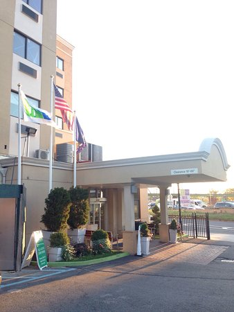 Holiday Inn Express LaGuardia Airport: photo0.jpg