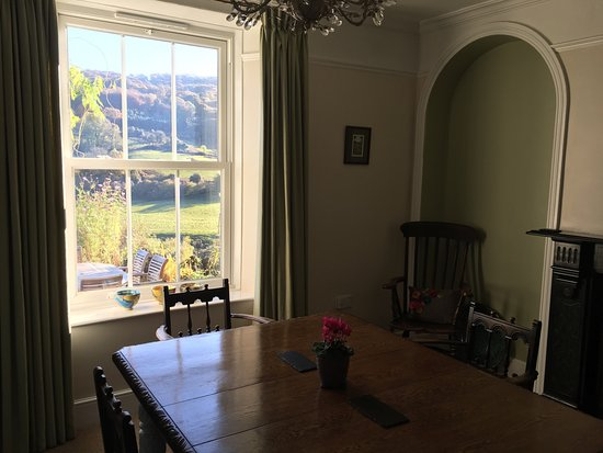 Llandogo, UK: Wonderful views! Lovely clean room (Twin/double The Thistle room). Cosy guest lounge with books,
