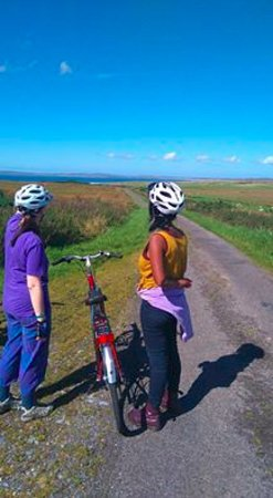 Port Ellen, UK: cyclist explore Islay with islaycycles bikes