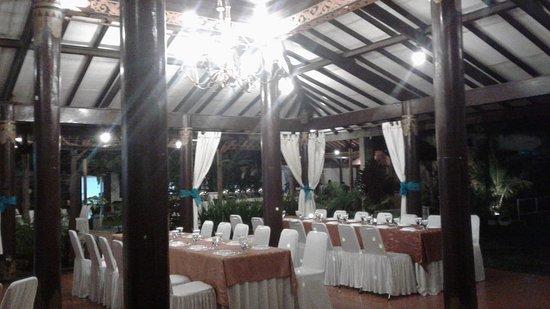 Gazebo Garden Restaurant Picture Of Gazebo Garden Restaurant Yogyakarta Region Tripadvisor