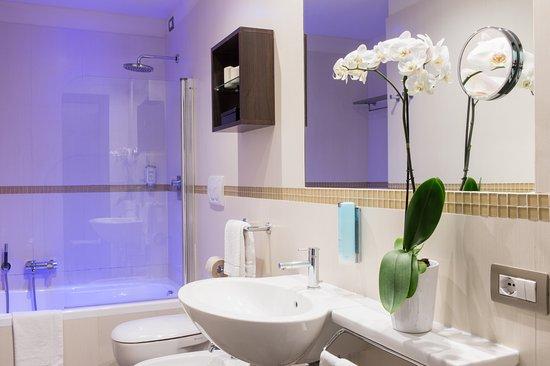 Blu suite hotel bellaria igea marina italien omd men - Bagno eden igea marina ...
