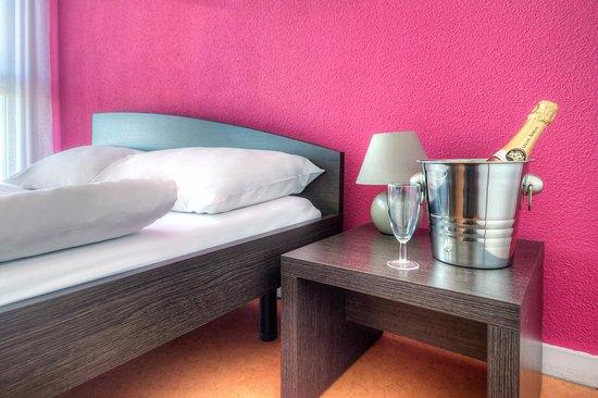 zenitude h tel r sidences les hauts du chazal besan on france voir les tarifs et 271 avis. Black Bedroom Furniture Sets. Home Design Ideas