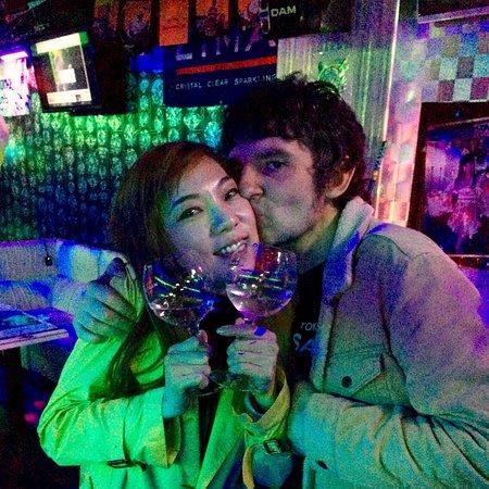 写真香港 クラブ キュー インターナショナル パーティー バー枚