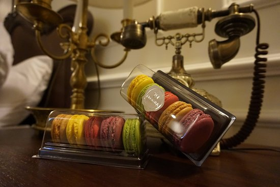 Dhavara Hotel: 馬卡龍實在很美味,一次買了十顆帶著走