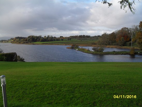 Killyhevlin Lakeside Hotel & Chalets: Lough Erne in all its autumnal glory