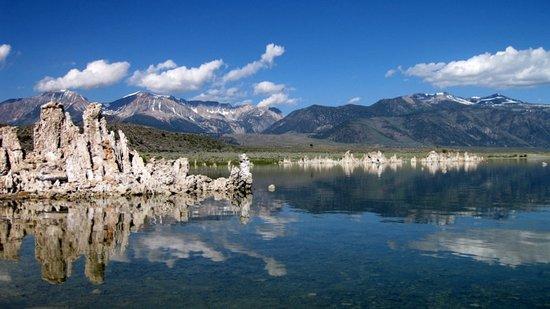 Lee Vining, Californië: Mono Lake