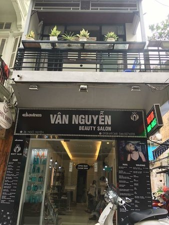 Salon Van Nguyen