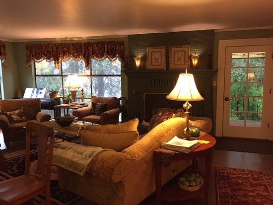 Sonoma Orchid Inn: Living Room