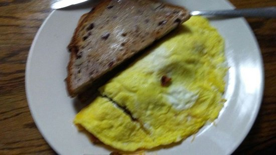 Java Cafe: Bacon Omelette W/Cranberry Toast