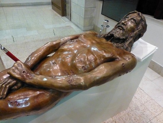 Pontifical Institute Notre Dame of Jerusalem Center - The Shroud Exhibition: 3D statue of Christ based on the Shroud Image
