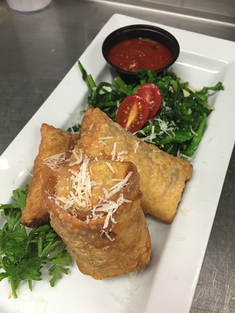 Montgomeryville, Pensilvania: Hand Rolled Cheesesteak Egg Rolls