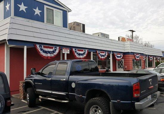 Longview, WA: Pancake House Exterior