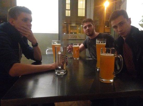 Heart of Gold Hostel: Une bière allemande sans prétention pour inaugurer la bar de l'auberge
