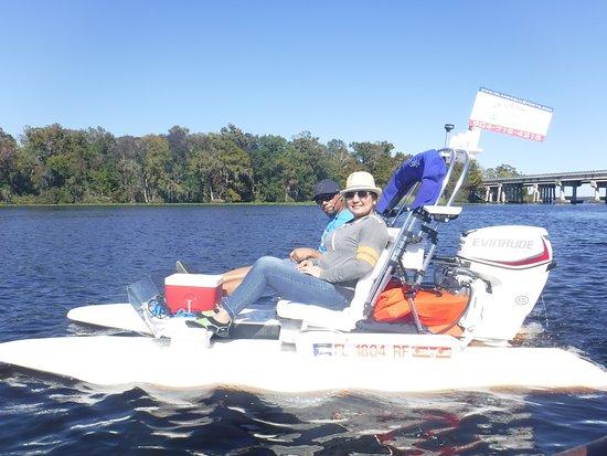 Green Cove Springs, FL: Black Creek Tour, couple cruising along having fun.